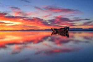 Sunrise in Motueka New Zealand photo by Nico Babot