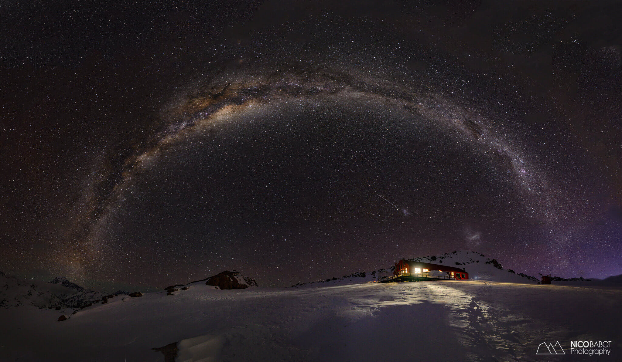 Photography guide Mueller hut - Milkyway arching over Mueller hut Photo by Nico Babot